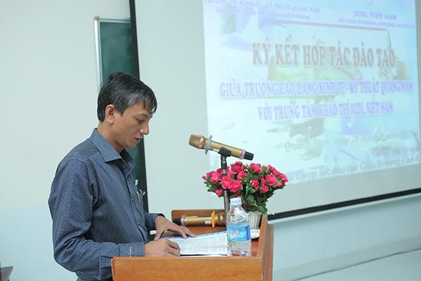 Th.s Phạm Hồng Chương phát biểu về việc phát triển kỹ năng công nghệ thông tin tại nhà trường.